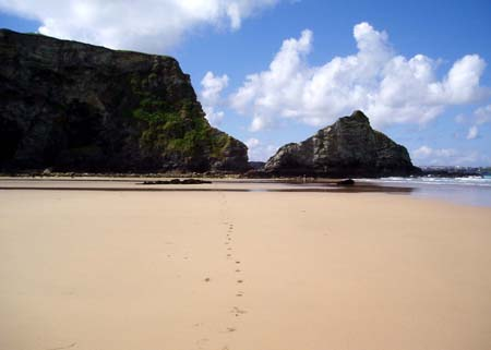 Walking the beach north from Newquay
